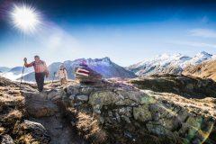 Wanderung von Airolo nach Hospenthal über den Gotthardpass, 11. Oktober 2015. Aufstieg zur Gaschola-Lücke mit Käthy und Toni Furrer.